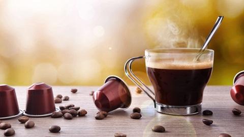 capsule caffè e tazzina