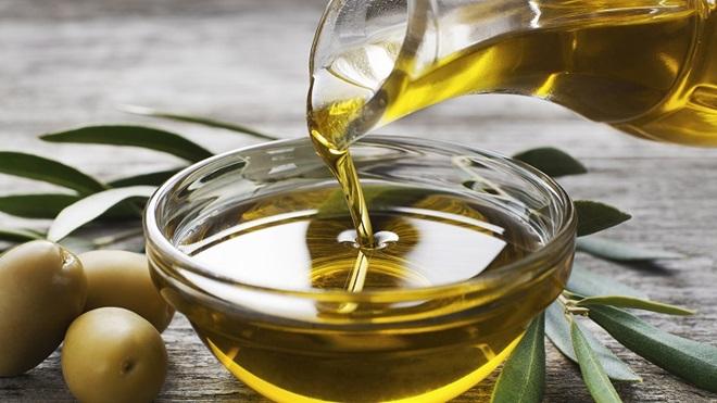 Frode: olio di semi spacciato per olio d'oliva