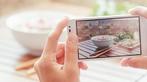 Fotocamera o smartphone? Sempre più 2 in 1