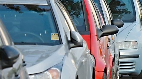 Torna il tacito rinnovo sull'Rc auto? Ecco cosa c'è di vero