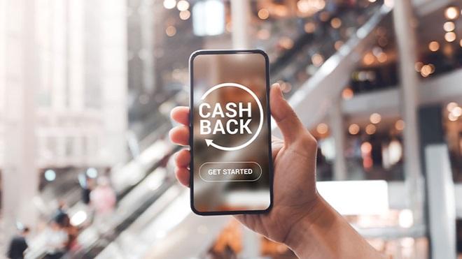 smartphone con logo cashback